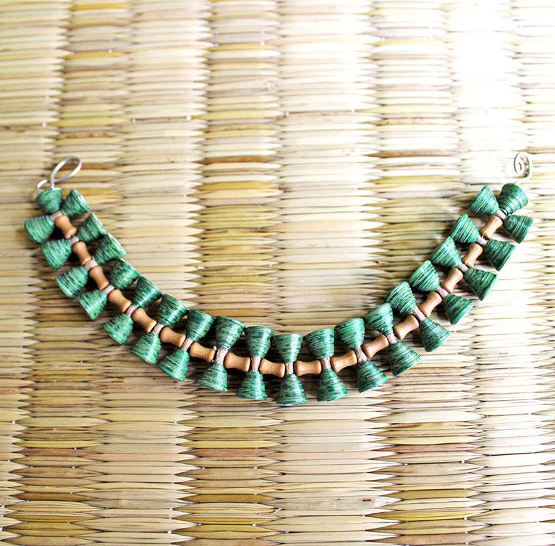 nature inspired jewelry leaf bracelet