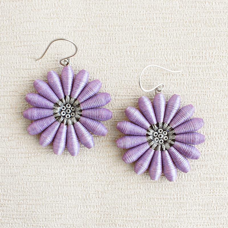 Dreamy Lilac Daisy Earrings