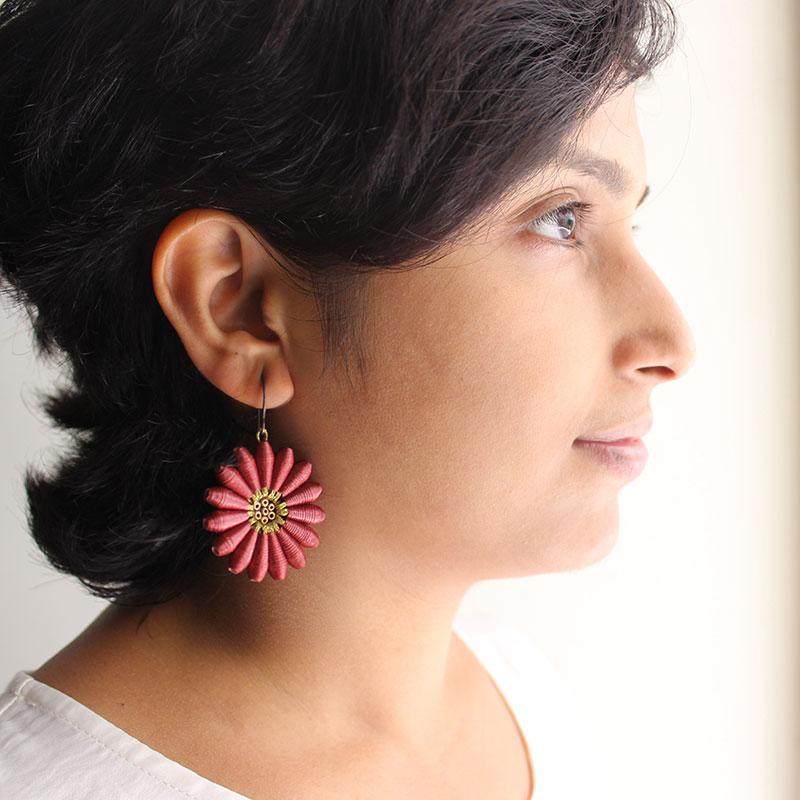 brown daisy flower organic earrings