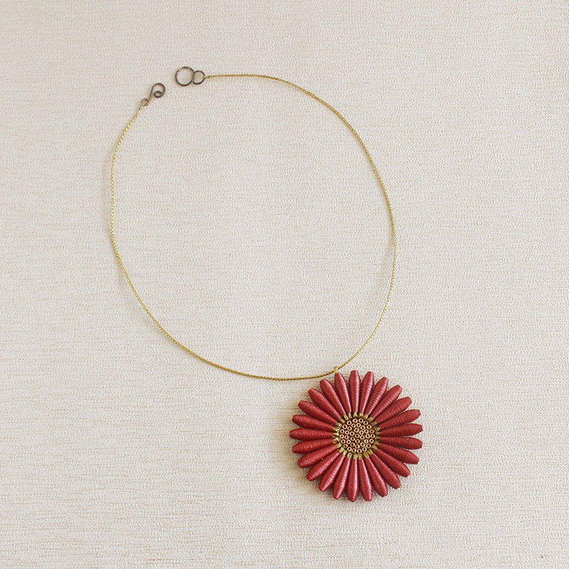Statement fall necklace daisy flower jewelry