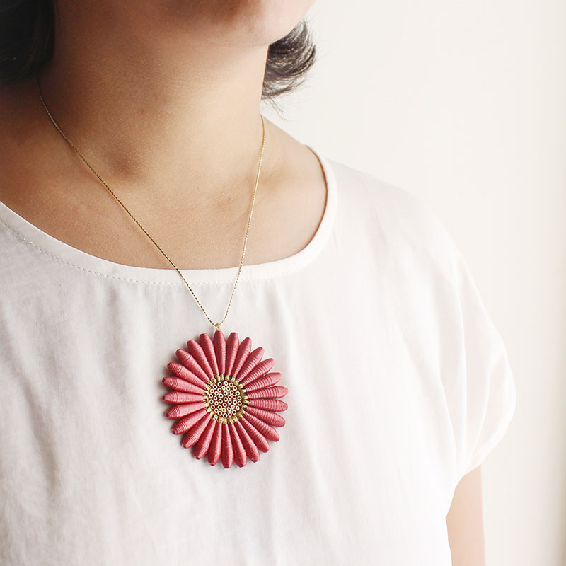 Organic Fall Jewelry Daisy Flower Necklace