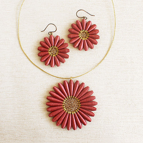 Floral jewelry for summer