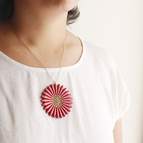 Floral necklace for summer