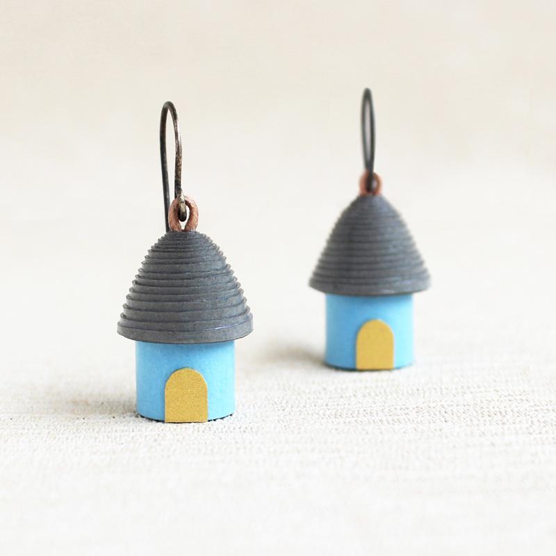 house earrings gift for traveler