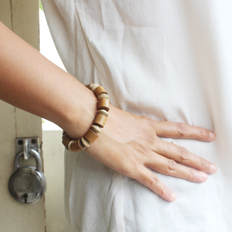 environment-friendly jewelry gift for her